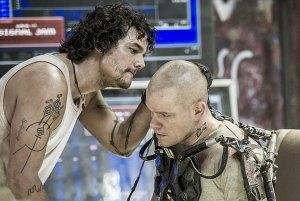 Wagner Moura e Matt Damon lutam do mesmo lado.