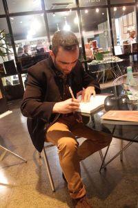 Adriel_Noite_autografos