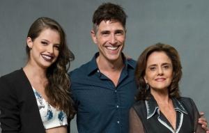 Giovanna, Anthony e Fanny: ninho de víboras.